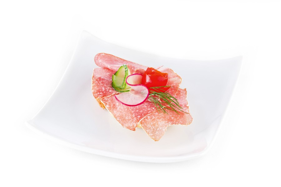 konsum-catering-canapes-mit-chambelle-salami